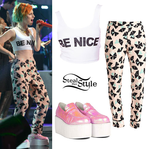 hayley-williams-american-idol-outfit-