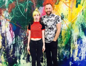 Hayley Williams e Brian J. O´Connor promovem a linha Good Dye Young em Nova York
